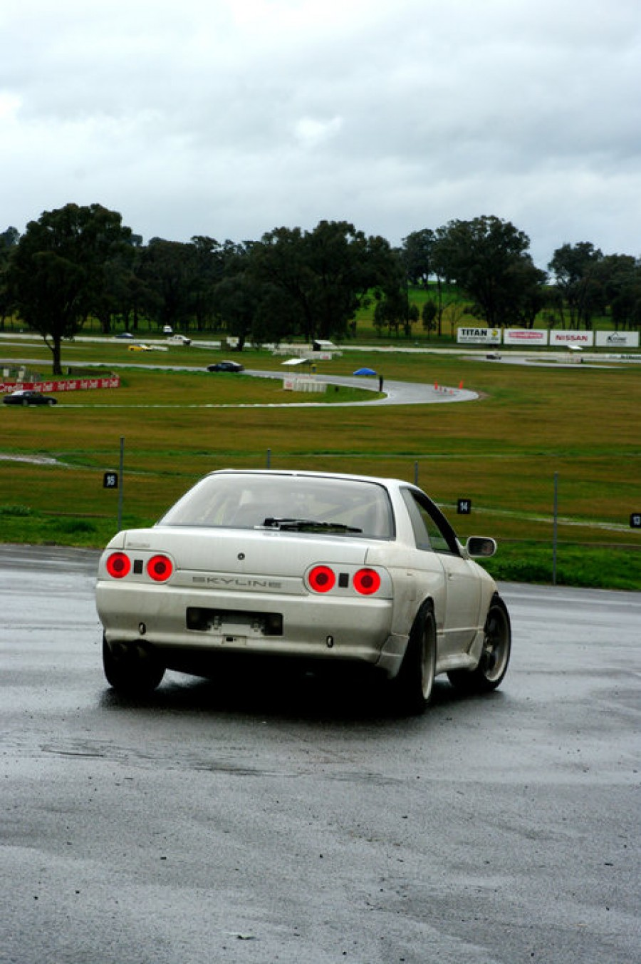 Nissan Skyline R32 wheels Rays Volk Racing GT-7 17″ 8J ET15 215/45 9J ET21 235/45 coupe