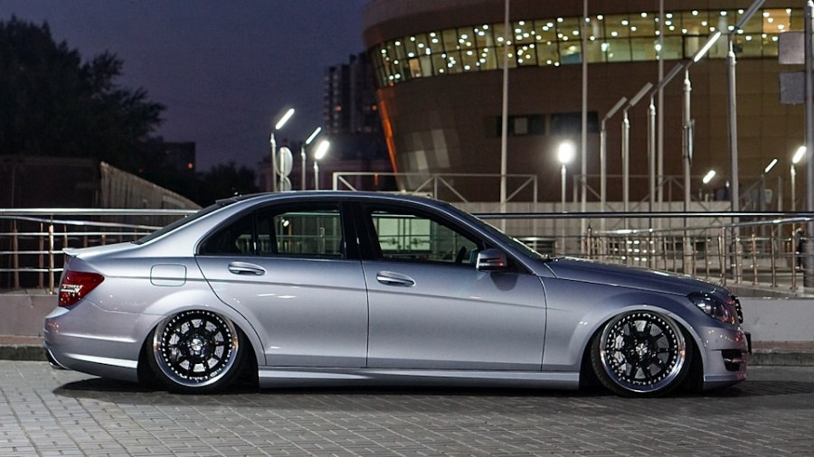 Mercedes-Benz C-Class W204 wheels SSR Professor SP3 19″ 10J