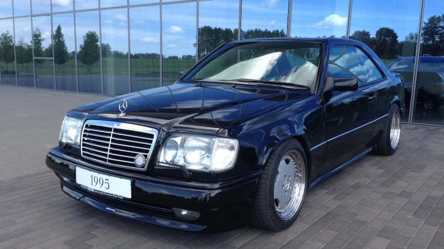 Mercedes-Benz E-Class W124 wheels OEM Mercedes AMG 17″ 9J 10J