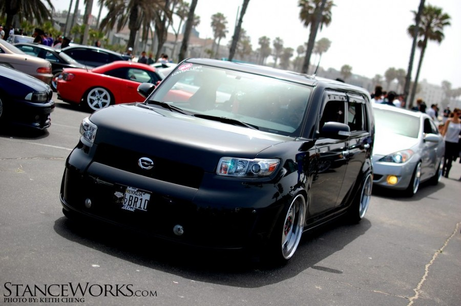 Scion xB wheels Work Euroline DH 18″ 9.5J ET45 215/40 10J ET30