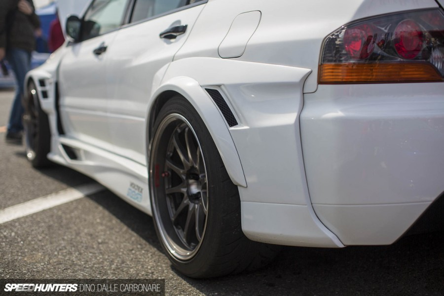 Mitsubishi Lancer Evolution VIII wheels Rays Volk Racing CE28N 18″