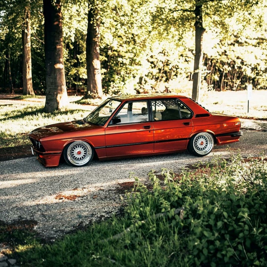BMW 5 series E12 wheels BBS RS